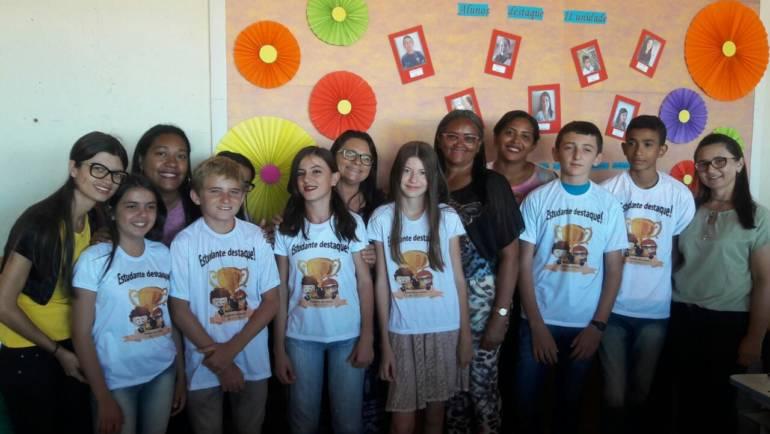 Escola municipal em Arizona escolhe aluno destaque